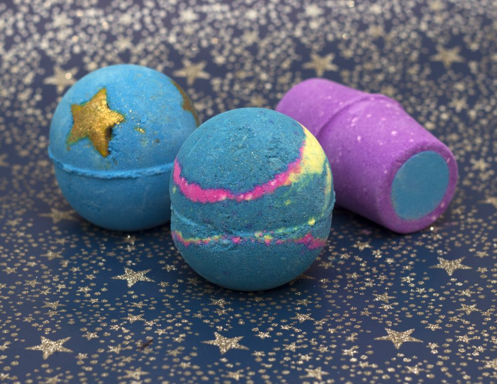 Intergalactic, shoot for the stars and Northern Lights bathbomb