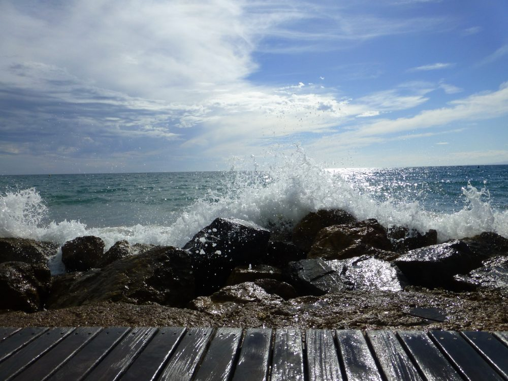 Spanish Sea Salou Overwhelming Thoughts Crashing Waves