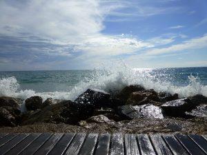 Spanish Sea Salou Overwhelming Thoughts Crashing Waves
