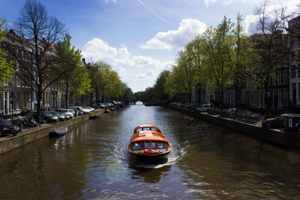 Alternative Amsterdam Canal Boat